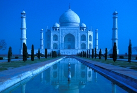 India-Taj-Mahal-Moonlight 2