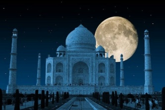 Taj by moonlight